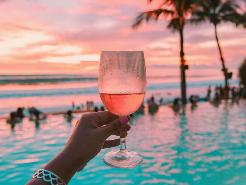 この夏はキリっと冷やしたワインでリゾート気分