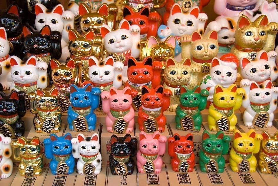 colorful Maneki-neko - Proxy Service - ZenMarket