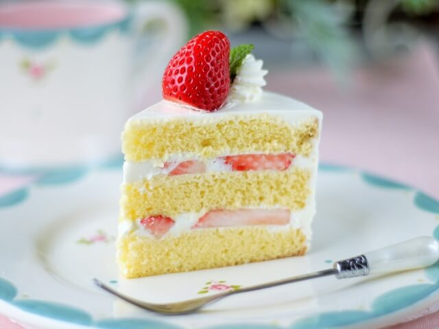 Japanese-Style Strawberry Shortcake
