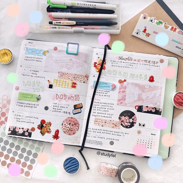 Beautiful bullet journal spread inspired by Japanese sakura (cherry blossoms)